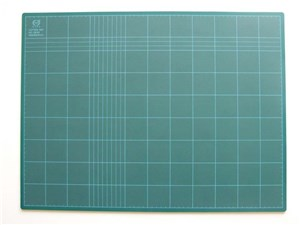 900x600 CUTTING MAT GREEN 3mm